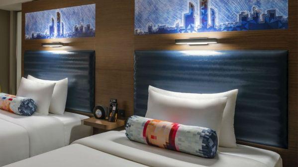 Aloft-Al-Ain-Aloft-Room-Twin-Bed_1600x900