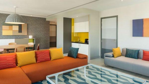 Aloft-Al-Ain-Breezy-Suite-Living-Room_1600x900